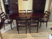 Dining room table & 6 chairs ing 2 carvers (mahogany)